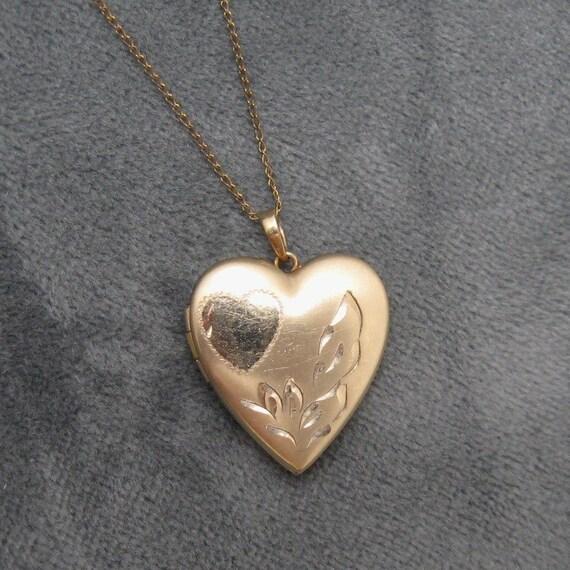 Vintage Heart Locket Necklace Pretty Gold Filled  N2532