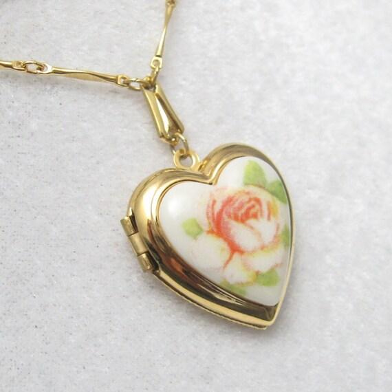 Vintage Heart Locket Necklace Porcelain Rose  N3207