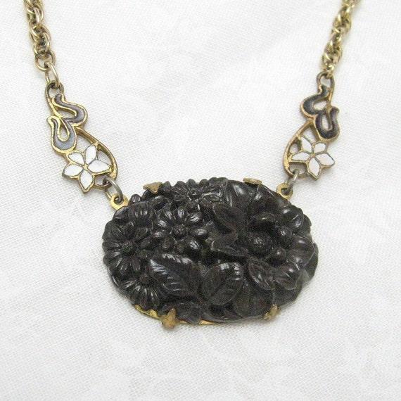 Vintage Pendant Nouveau Necklace N3627