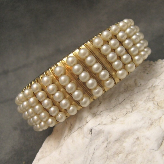 Wide Pearl Cuff Bracelet B3957