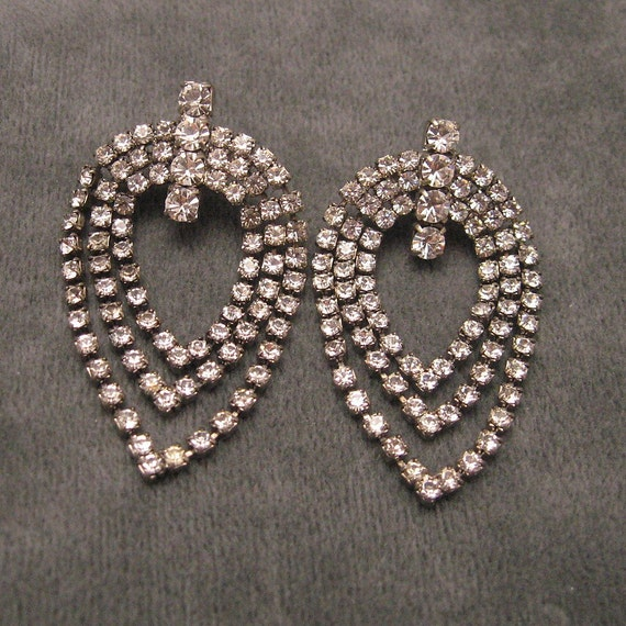 Vintage Rhinestone Earrings Unusual Long E4314