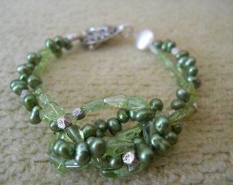 Knotty Pine bracelet - green freshwater pearls, peridot, Hill Tribe silver