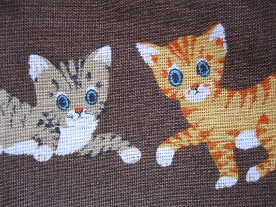 Ridiculously adorably vintage linen hand towel, kittens playing, made in Ireland