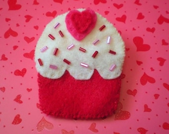 Yummy Heart Cupcake Felt Pin