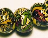Vintage Floral Pattern Beads