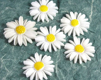 Vintage Daisy Cabochons 6