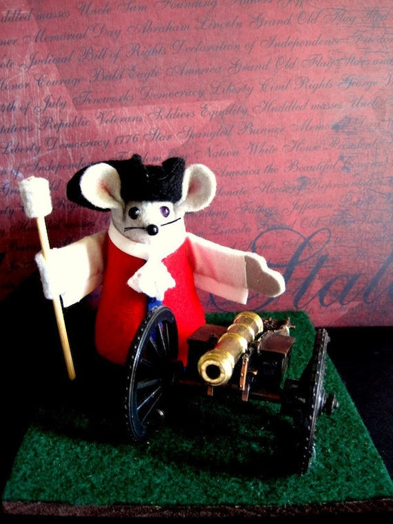 Colonial Mouse with Cannon