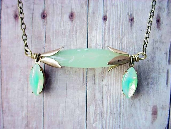 Jadeite Necklace Mint Green Glass Opal Vintage Necklace Gift Box