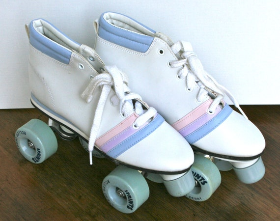 Vintage Sprints Roller Derby 1980's Roller Skates - Girls/Ladies Size 5 with Original Box