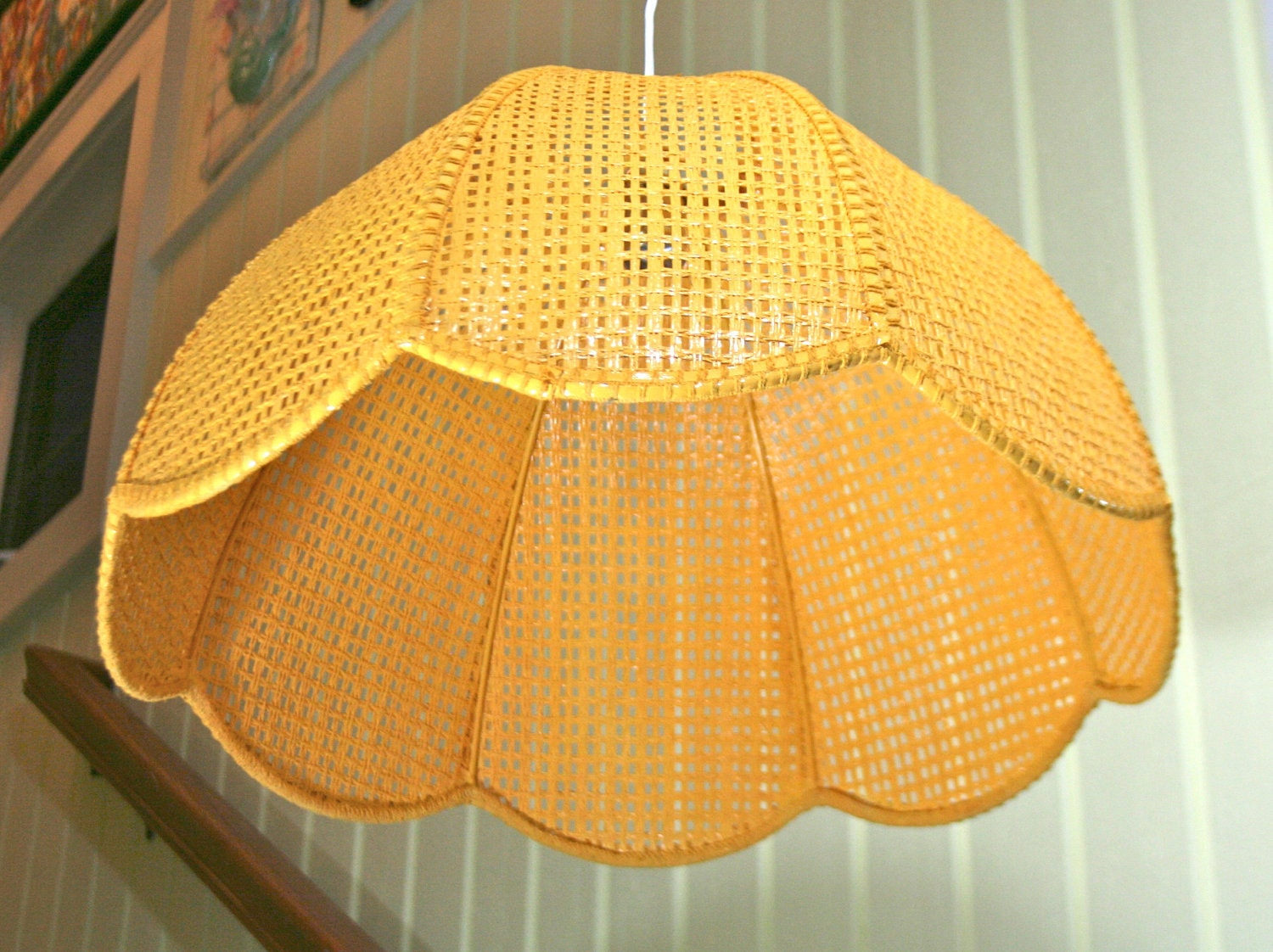 Vintage Woven Wicker Scalloped Swag Lamp