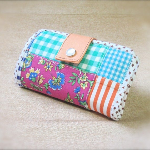 Fancy printed patchwork - compact 2-in-1 gadgets holder