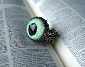 Spooky Eye - Adjustable Vintage Glass Ring in Mint Green and Antique Silver