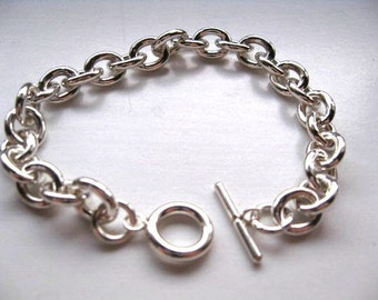 Stylish Heavy Sterling Silver Oval Link Charm Bracelet with Toggle Clasp