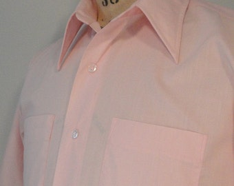 Light Pink Vintage Mens Shirt with Short Sleeves