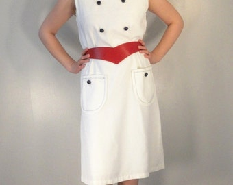 Mod White Vintage Sleeveless Dress with Chunky Navy Blue Buttons 1960s 1970s Size M