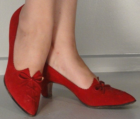 Red Suede Lace Up Vintage Shoes Pumps Heels 1960s 1970s Size 6 1/2