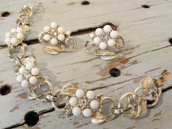Vintage Coro Bracelet and Earrings White Flowers with Gold Leaves and Clear Rhinestones