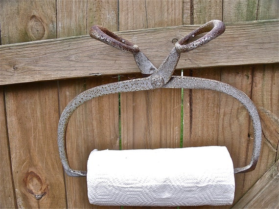 primiTive anTique IcE TonGs PAPER TOWEL HOLDER-HeaVy DuTy CasT iRoN with GreaT rusTy siLver paTina-plus roll of Bounty Basics paper towels