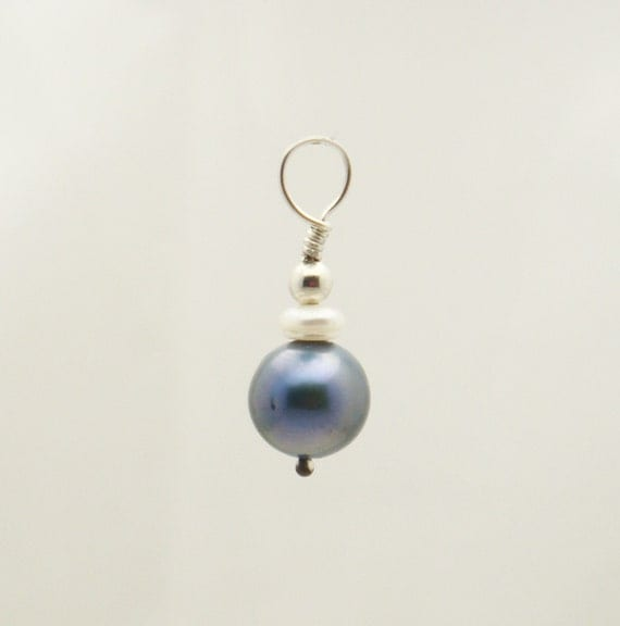 Blue Pearl Changeable Swinger Belly Ring Charm by TummyToys (78009)