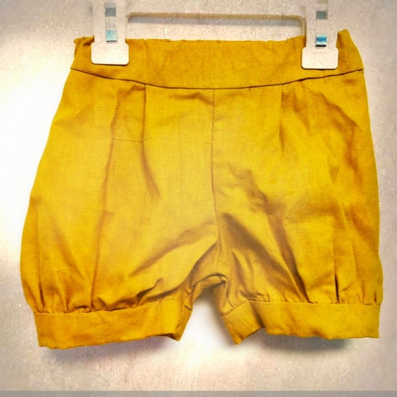 Toddler / Girls Bubble Shorts - the Kinshasa Girl - remnant Linen Fabric