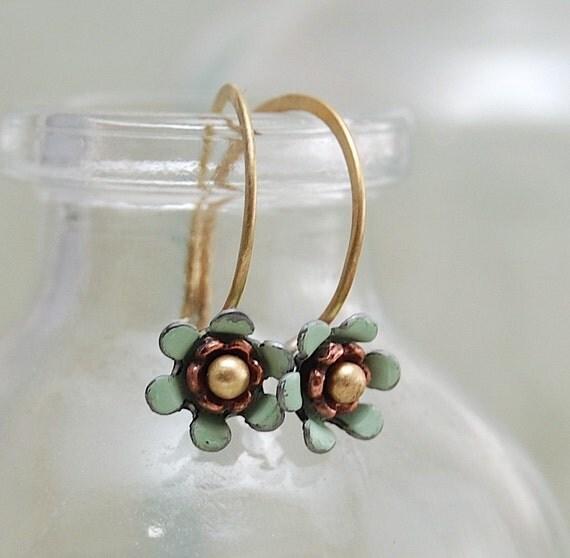 tiny flower earrings, mint green flowers, dainty jewelry, enamel flower earrings, vintage enamel
