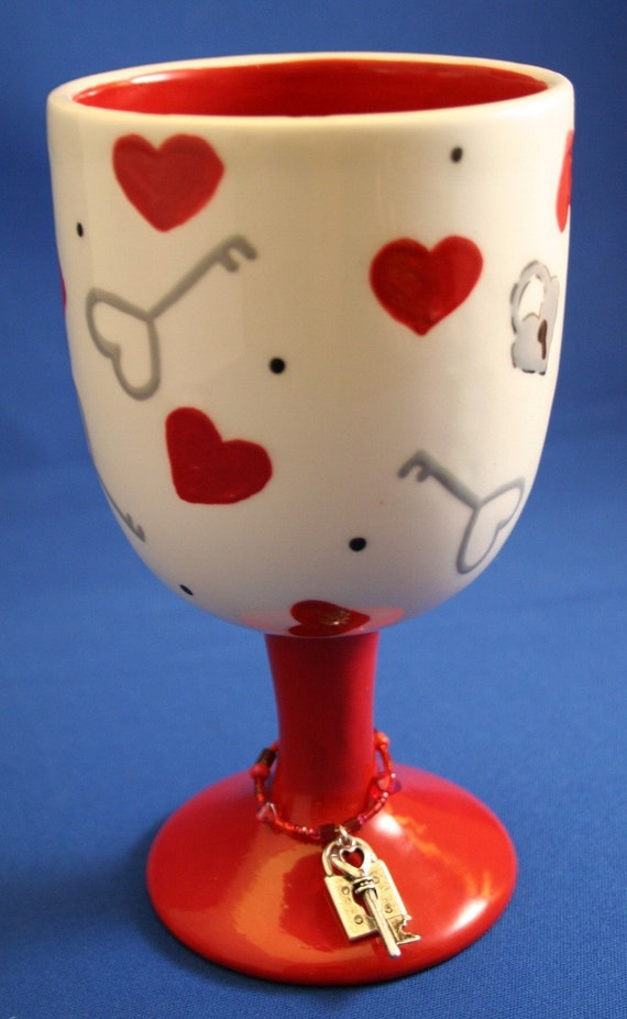 Funky wine glasses you hold the key to my heart - Funky champagne flutes ...