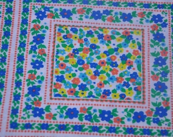 Oh MY Daisies, Daisies, and More Daisies- Mod Vintage Fabric Juvenile Whimsical 60s 70s
