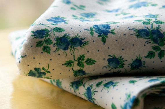 Adorable Blue Roses  - Vintage Fabric NOS 50s 35 in wide Rosebuds (Reserved)