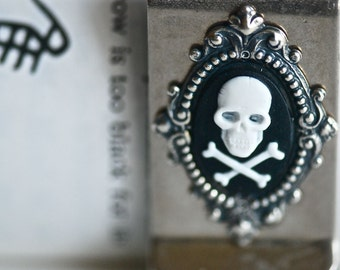Charles money clip - WHITE BACK Skull Crossbones Gothic Zombie Cameo - Insurance Included