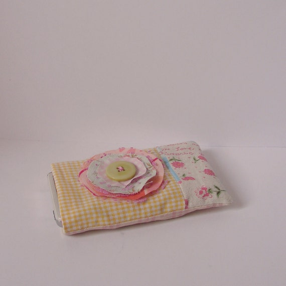 Gadget cover pink blue yellow check