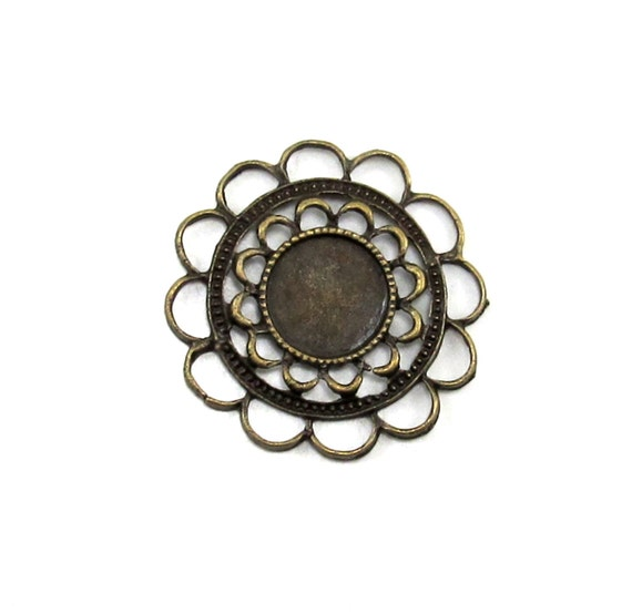 Antiqued Brass Flower Filigree with 13mm Round Inside Setting
