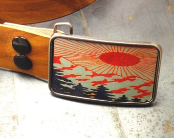 Leather belt buckle / rising sun
