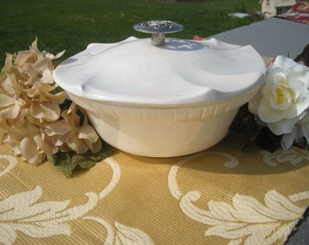 California USA Pearl Lusterware Pottery Dish with lid