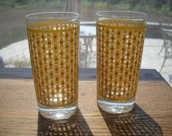 TwoTumbler Drinking Glass Vintage Yellow Basket weave pattern