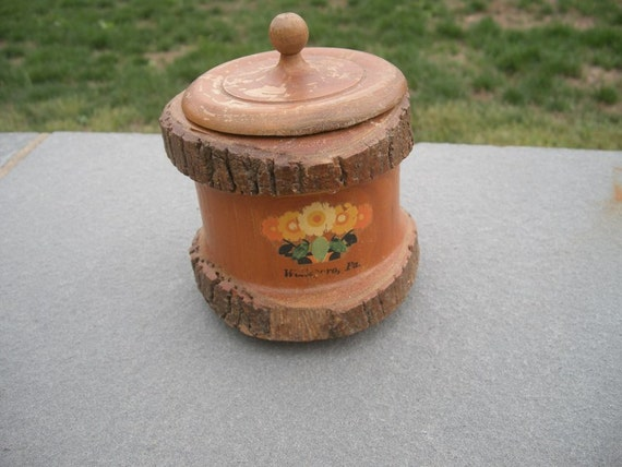 Antique Wellsboro, Pa. Souvenir Wooden Round Box with Cover