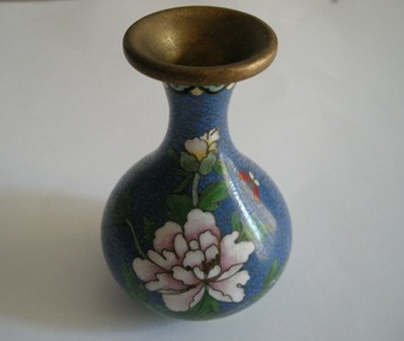 Sweet Petite Vintage Enamelware  Vase