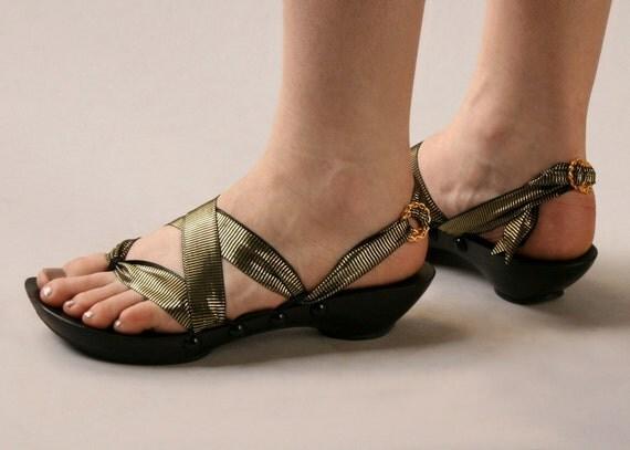 SALE Size 9 - Low Ebony Thong RTW Mohop Shoes