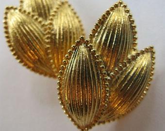 Vintage Trifari Goldtone Clips