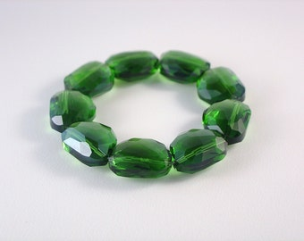 Gorgeous Emerald Green Crystal Bracelet / Kelly Green / St. Patrick / Chunky / Stunning / Wonderful / Beautiful / Lovely / Large Beads / Fun
