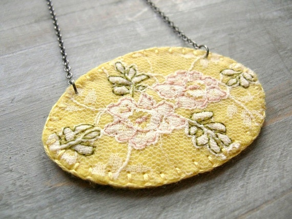 Embroidered Yellow Necklace. Chamomile. Felt and Lace. Tea Rose Series. by OrdinaryMommy