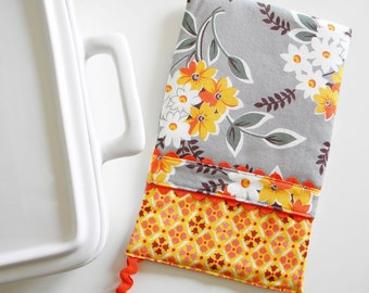 Oven Mitt - Hot Pad - Floral Bouquet in grey and orange