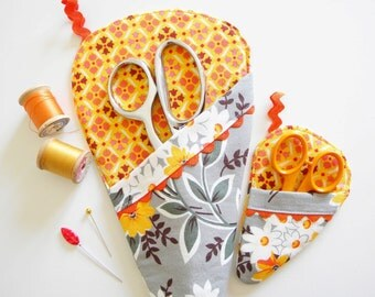 Scissor Sleeve -  Flea Market Floral Bouquet in Grey and Orange