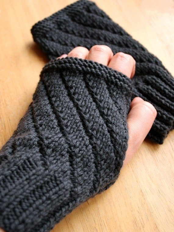 Knitting Pattern Gauntlet Gloves : Knitting Pattern Fingerless Gloves Mitts Gauntlets
