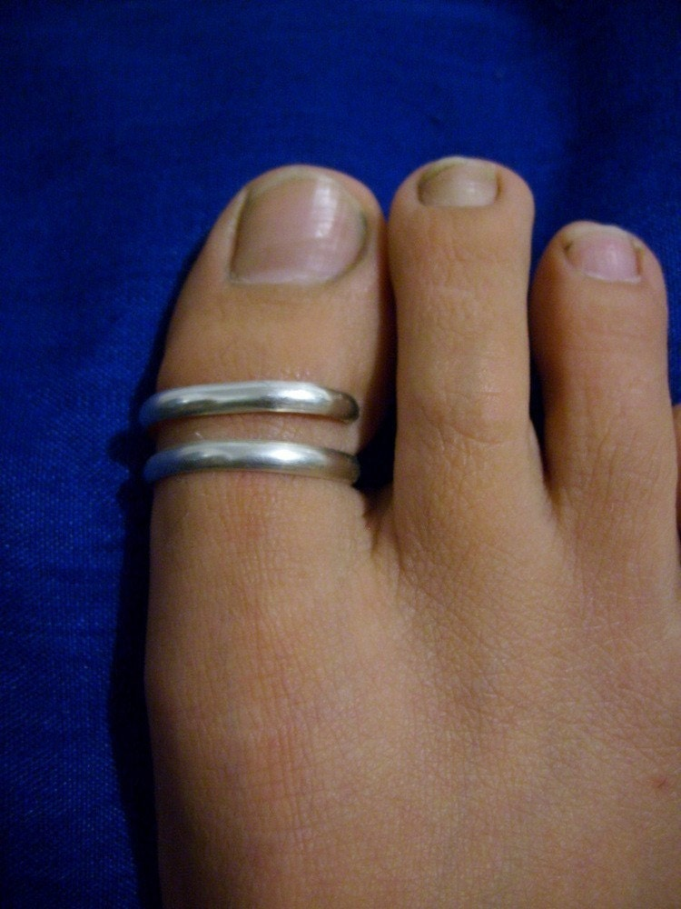 Big toe toe ring