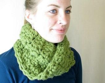 Handmade Crochet Green Moebius Infinity Unisex Cowl Circle Scarf for Adults