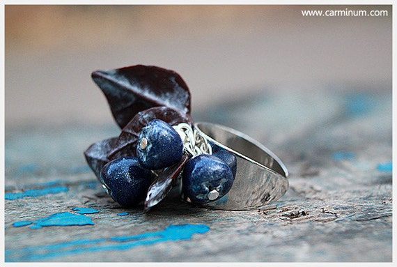 Blueberries and Leaves ring