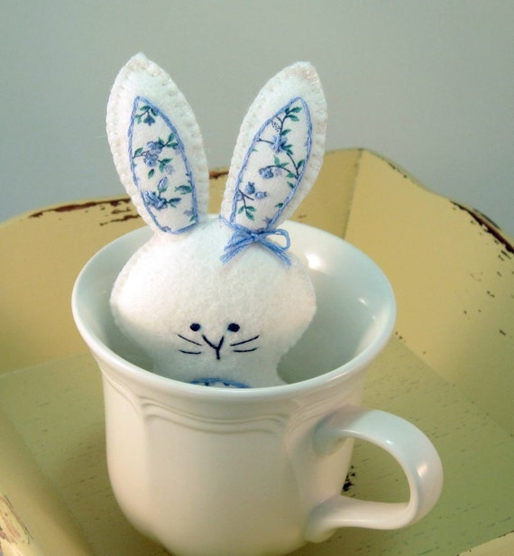 Easter Bunny White Wool Small Gift
