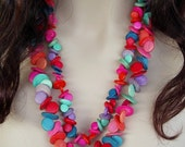 Vintage Jewelry Multicolor Wooden Disk Necklace in Turquoise, Pink, Lavender, Red, Blue
