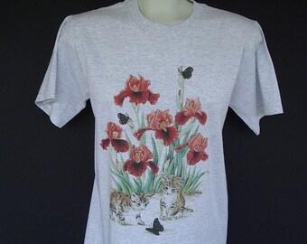 Cat T shirt Kittens, Butterflies, and Iris Flowers  Size Large Tee shirt, light gray