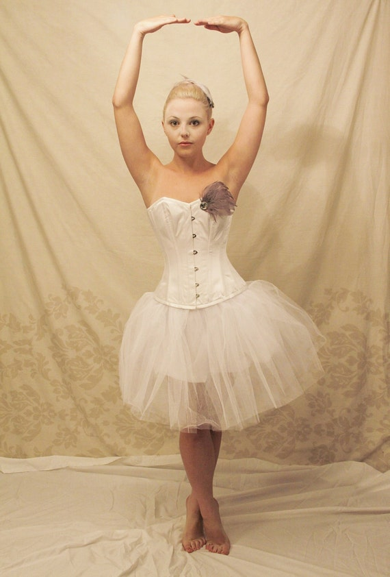 Ballerina/white swan steel boned halloween corset outfit-corset only-to fit 24-26 inch natural waist